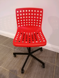 Red office/gaming chair