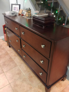 6 Drawer Dresser & Mirror - wood