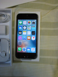 Almost New Apple iPhone 5S UNLOCKED 16GB phone for sale