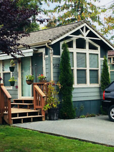 Immaculate Park Model in Beautiful Chemainus Gardens