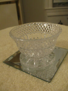 CLASSY OLD VINTAGE ROUND CLEAR GLASS STEMMED CANDY BOWL