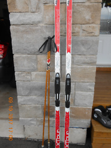 Ladies Rossignol X-Country Skies and poles.  Length  6'