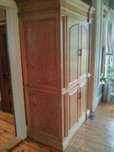 Beautiful Hand-crafted Solid Oak Liquor Cabinet (Armoire)