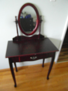 Small end table and mirror