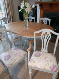 Extending Round Pine Dining Table & Chairs