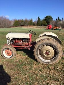Tracteur 8n