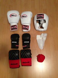 Boxing Gear - BOeS MMA Gloves, Bag Gloves
