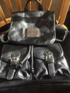Lady bag guess Colour black in excellent condition