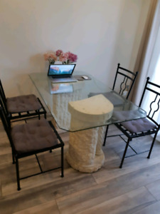 Glass top dining table w/metal chairs