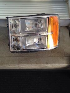 Headlight gmc sierra 2007-2013 conducteur West Island Greater Montréal image 1