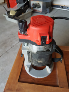 Milwaukee heavy duty router with bits & accessories.