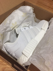 DS Adidas NMD R1 Monochrome Pack: Triple White