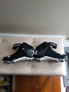 UNDER ARMOUR CLEATS  LNC