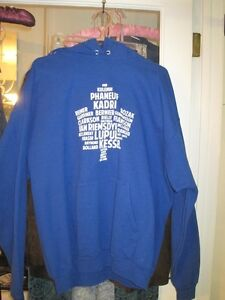 Toronto Maple Leaf Pullover Hoodie by Hanes - Sixe XL