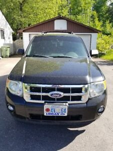 2010 Ford Escape XLT - $8000 OBO