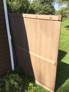 Composite fence panels with 4x4 covers
