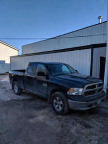 2013 Dodge Ram 1500 optioned V6 8spd 4x4 moving must sell!