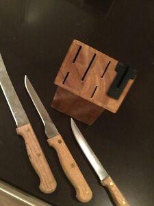 Knife block with 3 knives Oakville / Halton Region Toronto (GTA) image 1