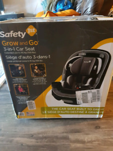 Brand new (in box) Safety 1st 3-in-1 Car Seat