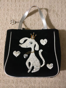 Che Che New York Purse - Cute Dog