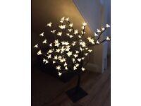 Stunning flower lamp