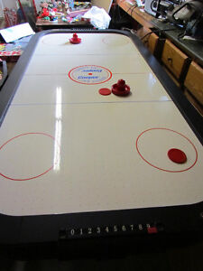 AIR HOCKEY TABLE, 6 Foot