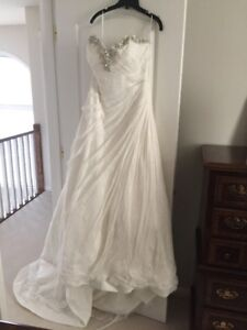 Gorgeous, New & Never Worn  Vintage-Style Wedding Dress