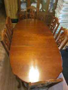 Dinning room table and 6 chairs. Prince George British Columbia image 1