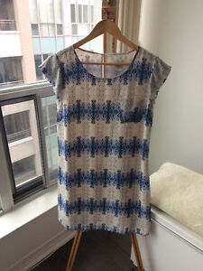 100% Silk Blue Porcelain Print Short Sleeve Dress
