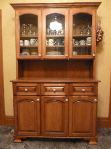 kitchen buffet and hutch London Ontario image 1
