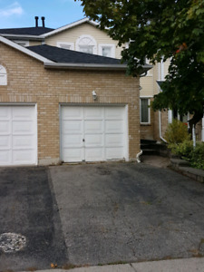 3 Bedroom Townhouse with Garage Available Dec 1
