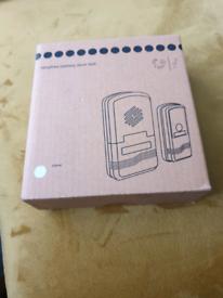Wirefree battery door bell