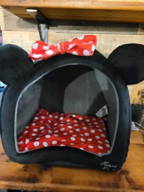 Minnie mouse hooded bed