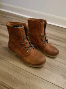 North Face Ballard sz 8.5 womens shoes/boots