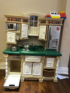 Little Tikes kitchen playset toy