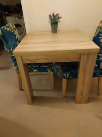 Beautiful extending table
