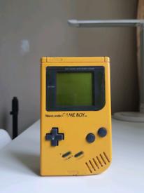 Gameboy DMG-01 original yellow console