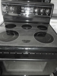 Black Glass Stove  Convection in Good Condition
