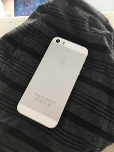 Apple iPhone 5S  London Ontario image 2
