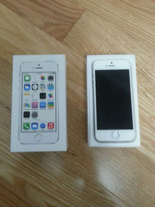 iPhone 5s 64gb silver factory unlocked in mint condition
