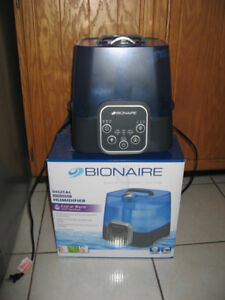 Varios Cool Mist Humidifiers / Honeywell Air Purifier / Iron