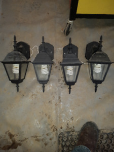 4 COACH LIGHTS IN GREAT CONDITION