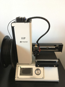 Imprimante 3D + 2 bobines / 3D printer + 2 bobbins