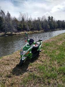 scooter shiro a vendre ou echange contre moto