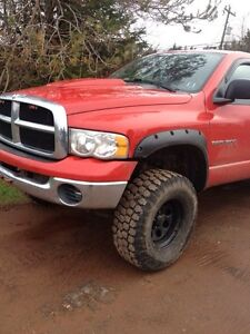 Lifted 2005 crew cab dodge ram 1500