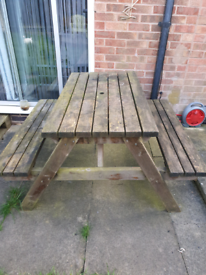 Wooden 4 seats bench