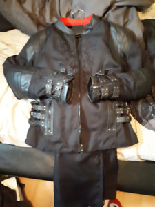 womans motorcycle jacket and pants