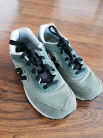 New balance boys shoes for sale size 4