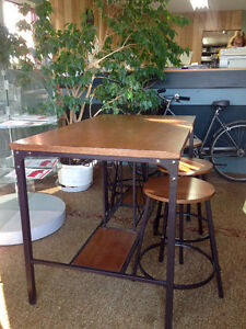 Pub Style Dining Table with Wine Rack Base. Kingston Kingston Area image 5