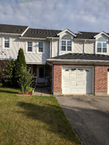 GORGEOUS 3 BEDROOMS TOWNHOUSE